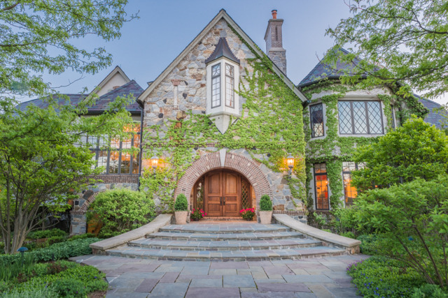 Villa for sale recommended by iMove Chicago