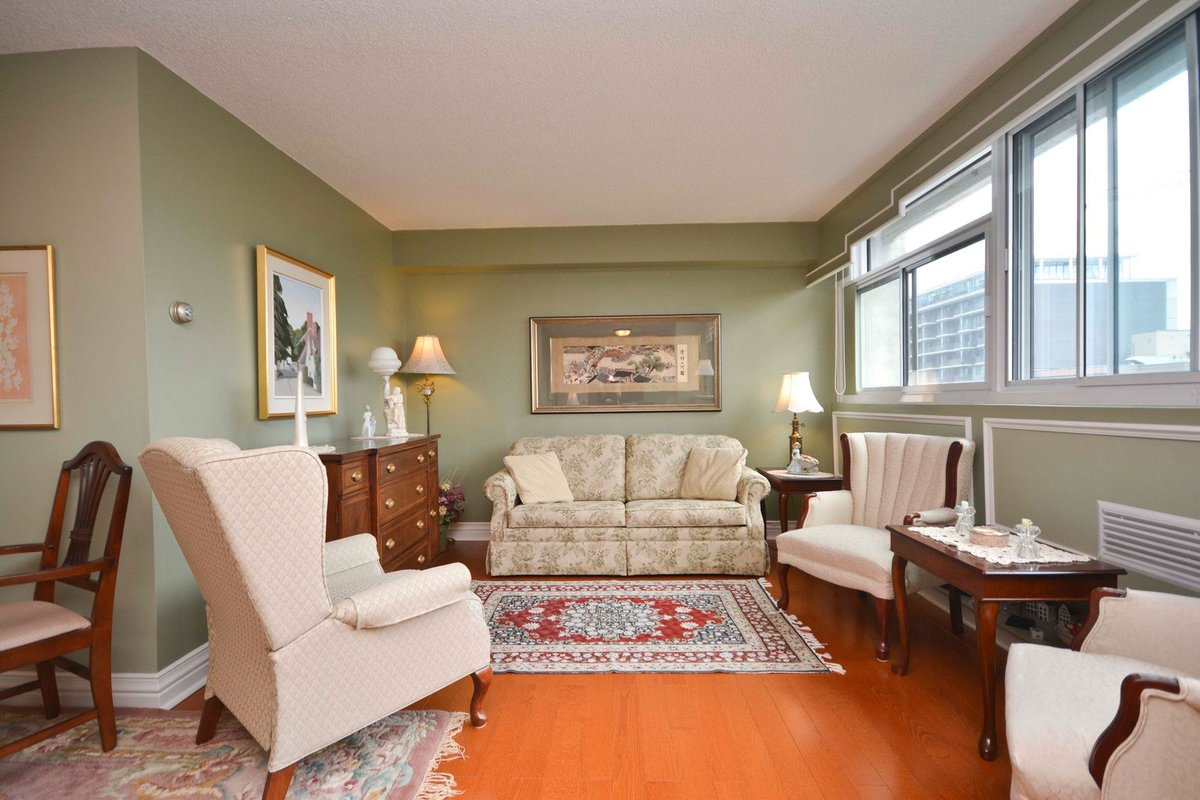 Apartment for sale recommended by Tracy Arnett Realty Ltd.