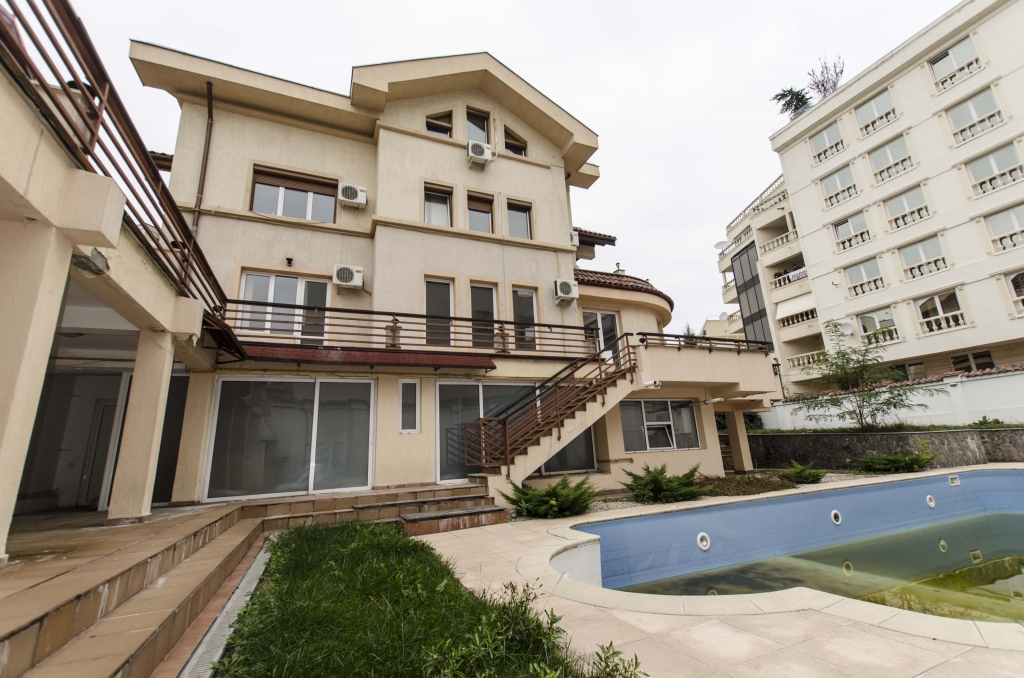 Villa for sale recommended by Karma Estate