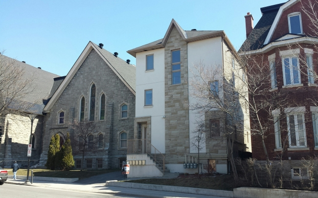 Townhouse for sale recommended by Nancy Benson and Associates