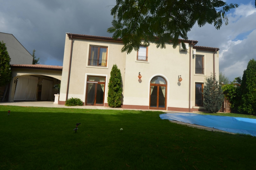 Villa for rent recommended by PALACE ESTATE