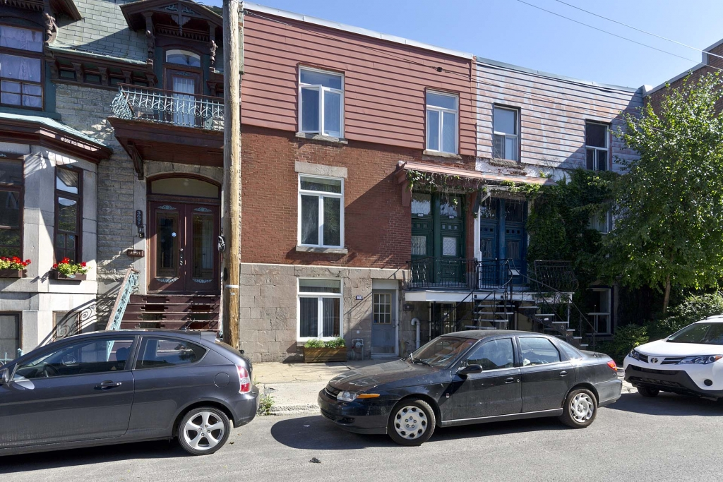 Building for sale recommended by Michel Leroux - Multi-Logements