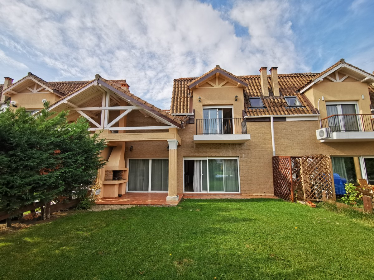 Villa for rent recommended by BLISS Imobiliare