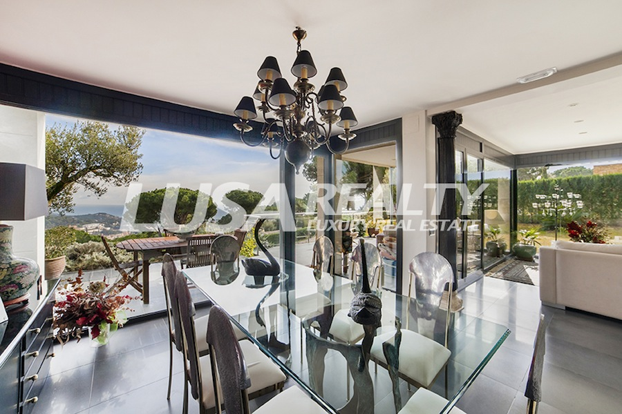 Villa for sale recommended by LUSA REALTY