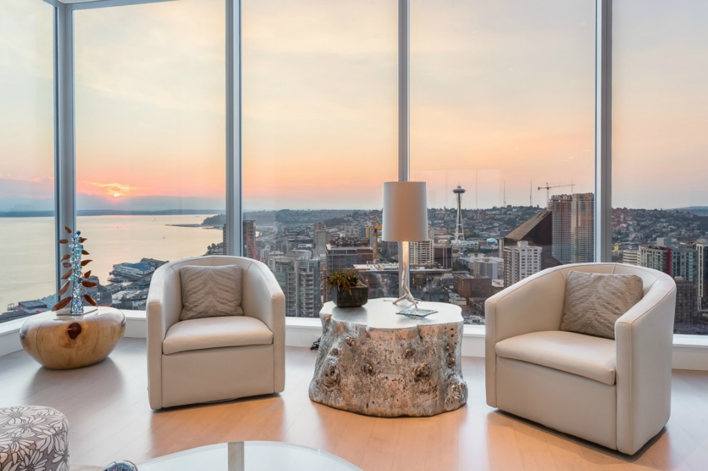 Condo for sale recommended by John L. Scott