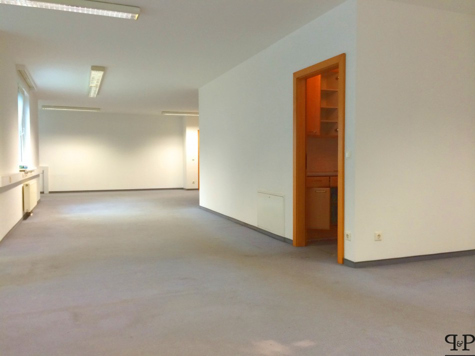 Office for rent recommended by Paul & Partner Immobilien