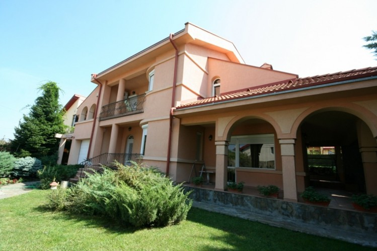 Villa for sale recommended by REGATTA REAL ESTATE