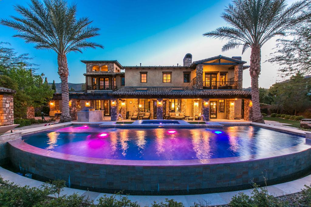 Villa for sale recommended by Shapiro & Sher Group