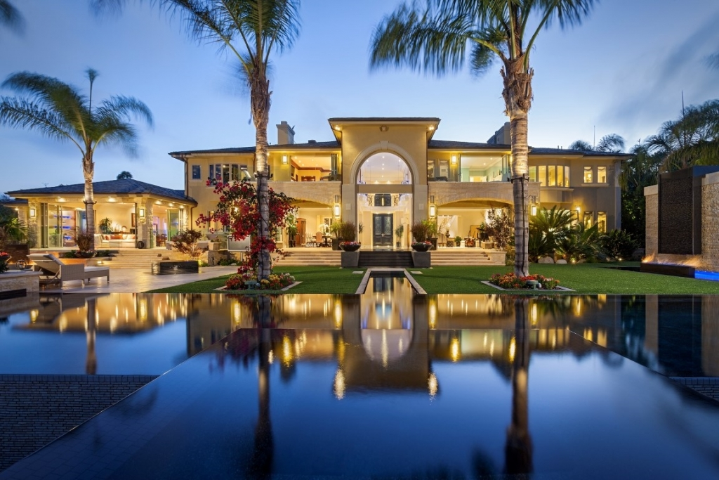 Villa for sale recommended by San Diego House Hunting